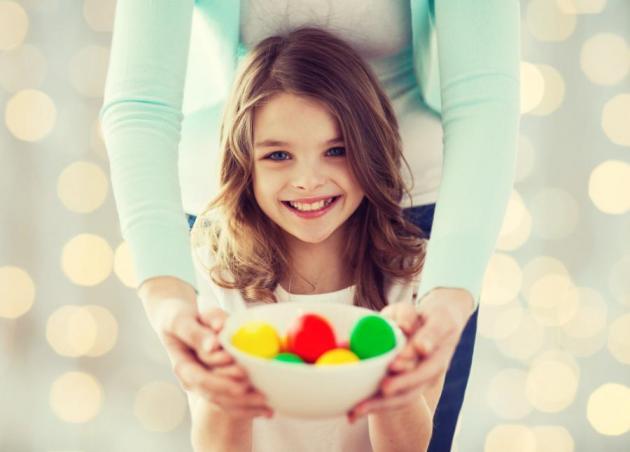 Πασχαλινή λαμπάδα-πασχαλινό αυγό: SOS οδηγίες ασφαλείας για το παιδί! | tlife.gr