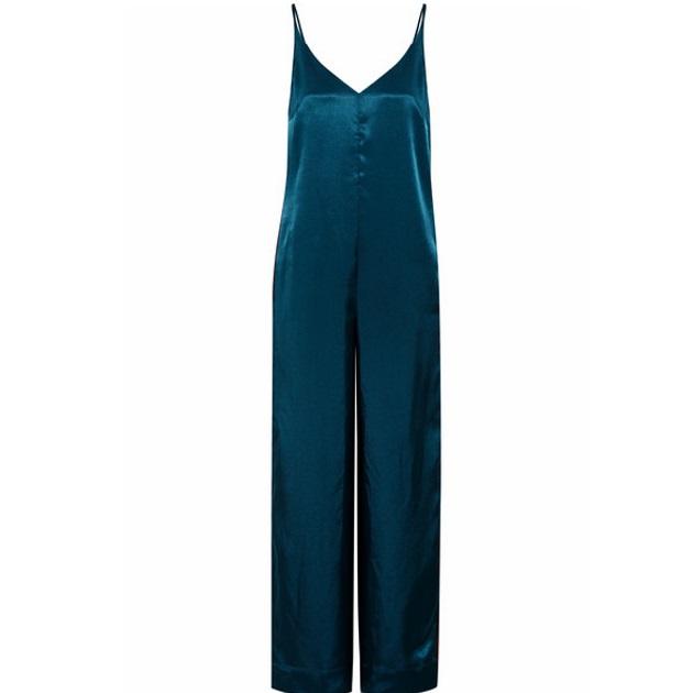 6 | Oλόσωμη φόρμα net-a-porter.com