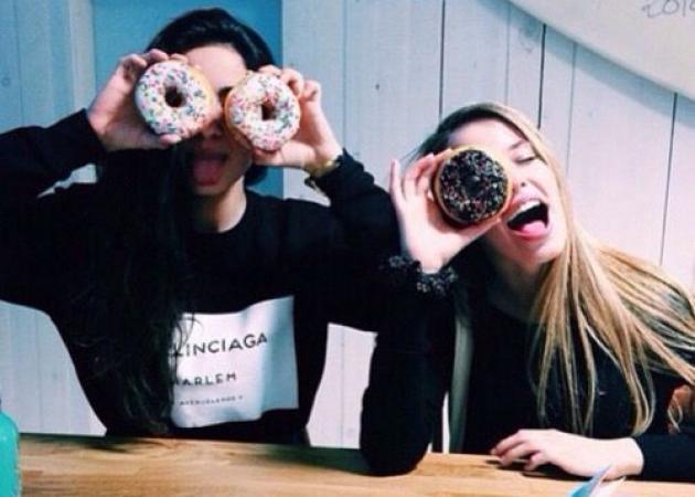 Μπορεί η παρέα σου να καταστρέψει τη διατροφή σου;   tlife.gr