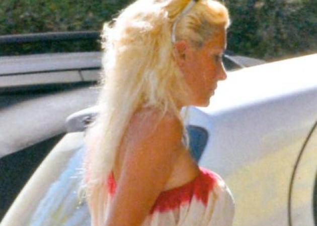 E. Μενεγάκη: Ποιο φόρεμα ξαναφοράει; | tlife.gr