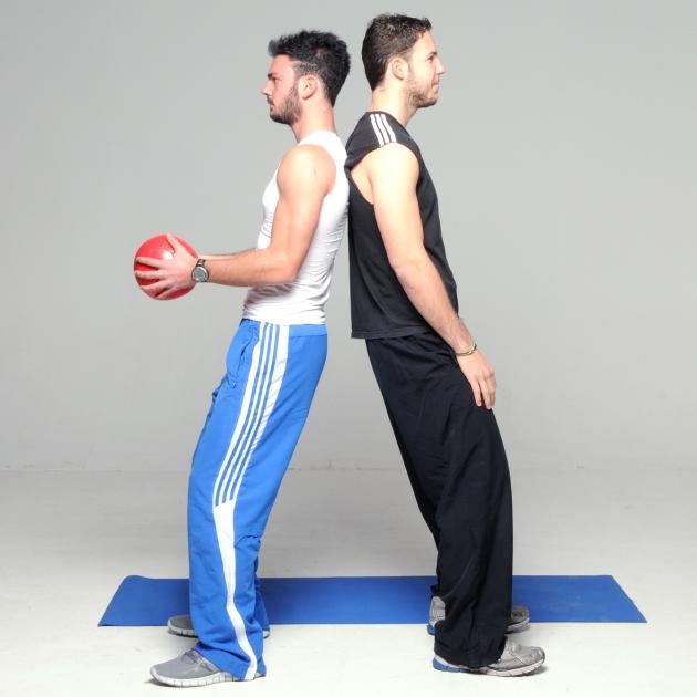 5 | Καθίσματα με πλάτη και στροφή κορμού με μπάλα Μέρος Πρώτο