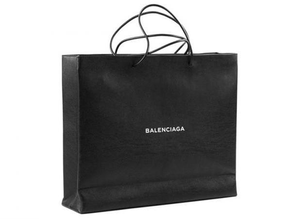 Δεν θα πιστεύεις πόσο κοστίζει η νέα shopping bag του οίκου Balenciaga   tlife.gr