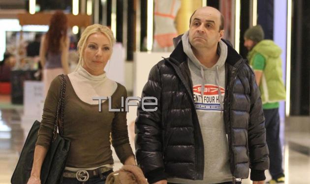 Μ. Σεφερλής – Ε. Τσαβαλιά: Βόλτα για ψώνια στα μαγαζιά! Φωτογραφίες | tlife.gr