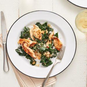 Κοτόπουλο με παρμεζάνα και kale