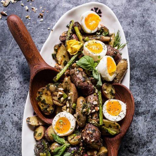 Πατατοσαλάτα με αυγό και dressing | tlife.gr