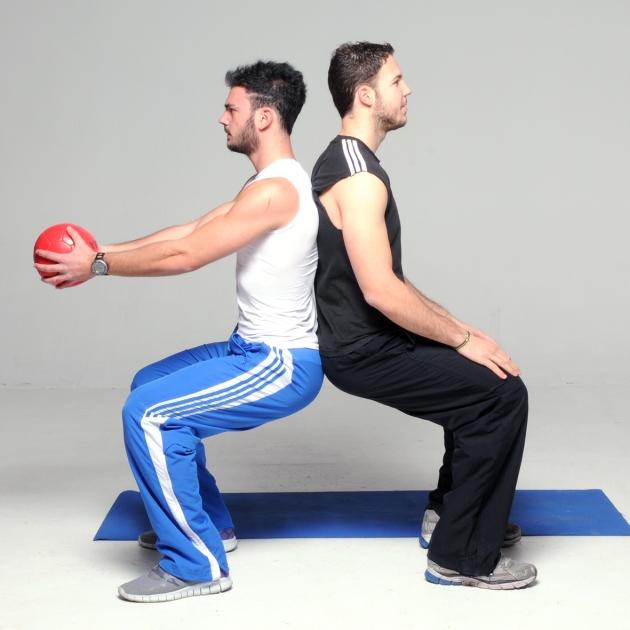 6   Καθίσματα με πλάτη και στροφή κορμού με μπάλα Μέρος Δεύτερο