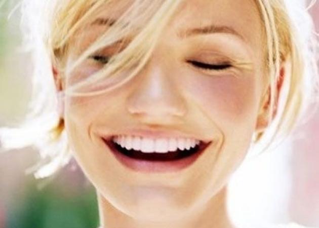 Κλείσε ραντεβού! Το πιο hot spot για λεύκανση δοντιών σε λιγότερο από μισή ώρα και πολύ οικονομικά! | tlife.gr