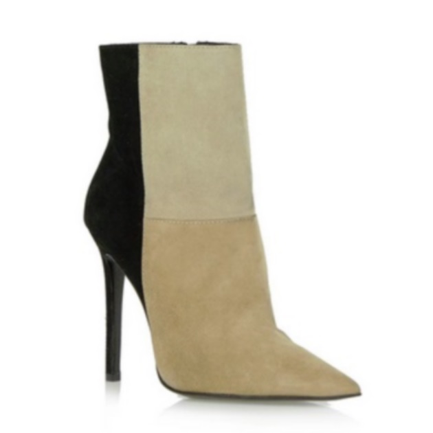 6 | Ankle boots Tsakiris Mallas