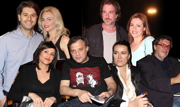 Τα ζευγάρια της showbiz πάνε θέατρο! | tlife.gr