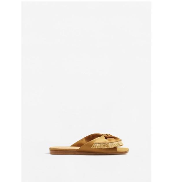 12 | Flat shoes Mango