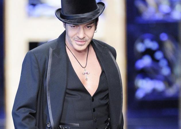 O Galliano θα γίνει ιππότης | tlife.gr