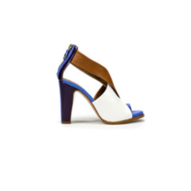 12 | Ψηλοτάκουνα σανδάλια Zara