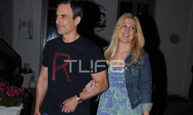 Ρ. Θρασκιά: Απόδραση στην Τήνο μαζί με τον σύζυγό της! | tlife.gr