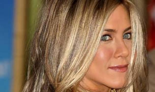 Ποια είναι σήμερα τα συναισθήματα της Aniston για την Jolie; | tlife.gr