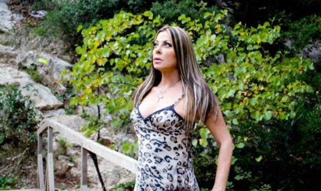 """Άντζελα Δημητρίου: """"Δεν γουστάρω να πάρω εγχώριο κρέας, θέλω να πάρω το ελληνικό, το δικό μου, από το χωριό μου""""   tlife.gr"""