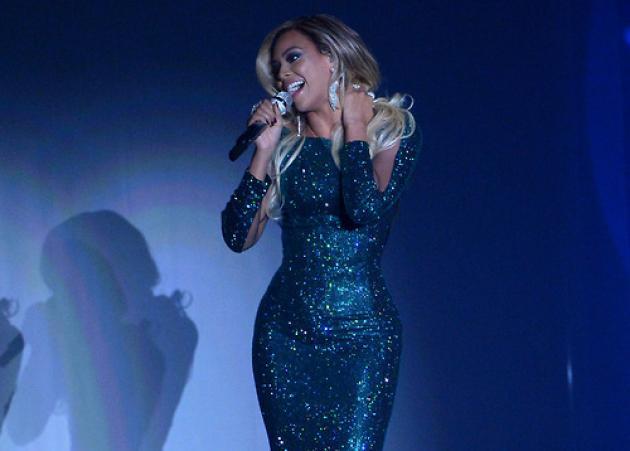 Ο Vrettos Vrettakos δημιουργεί για τη Beyonce! | tlife.gr