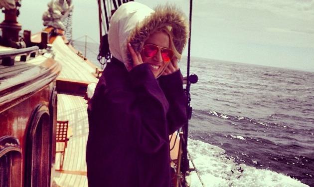 Νάντια Μπουλέ: Εξόρμηση στη θάλασσα με ιστιοφόρο πλοίο! | tlife.gr