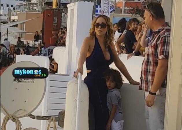 Χαμός με την επίσκεψη της Mariah Carey – Μετά τη Μύκονο έφυγε για Σαντορίνη! Video