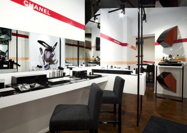 OMG! Άνοιξε το πρώτο pop up store της Chanel στην Ελλάδα!