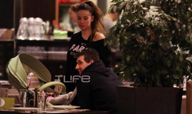 Δ. Διαμαντίδης – Β. Χιώτη: Βόλτα με την κόρη τους! | tlife.gr