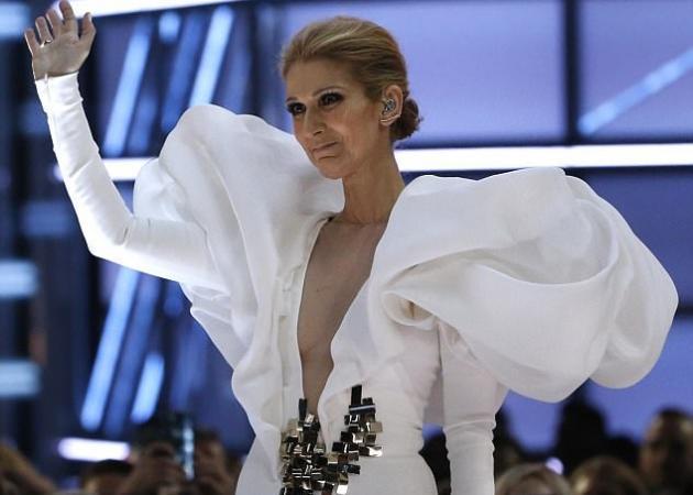 """Συγκινεί η Celine Dion! Δάκρυσε τραγουδώντας για την 20η επέτειο του """"Τιτανικού""""!"""