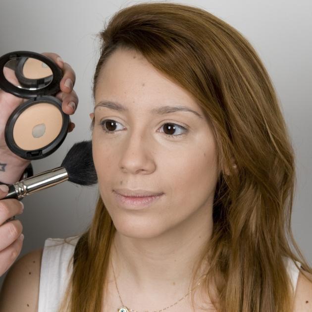 2   Προτάσεις για μακιγιάζ και μαλλιά