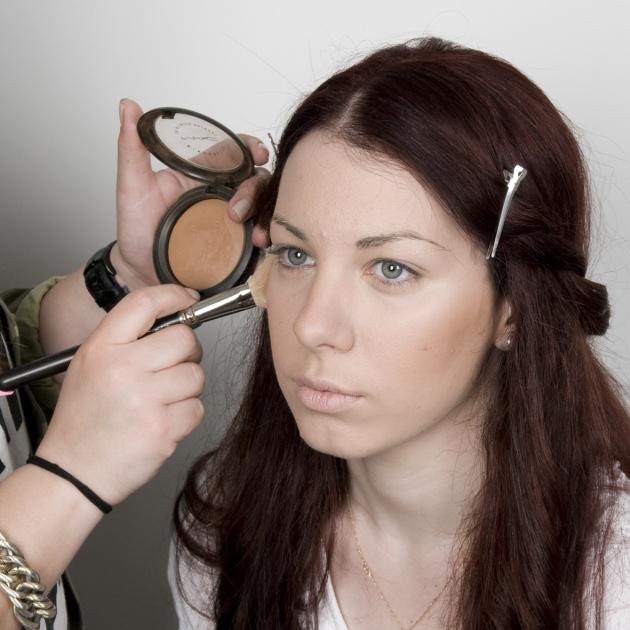 2 | Προτάσεις για μακιγιάζ και μαλλιά