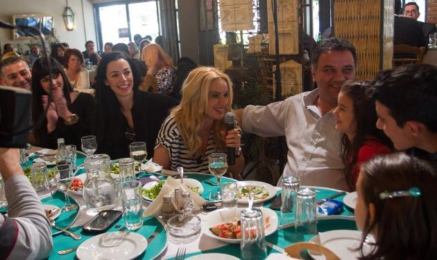 Μ. Μπεκατώρου: Γιόρτασε την «Επέτειο Γάμου» στο «Κυριακάτικο Τραπέζι» του Fairy! Video   tlife.gr