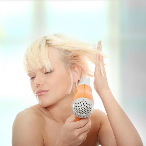 Γιατί πρέπει να στεγνώνεις τα μαλλιά σου με… ανοιχτό παράθυρο!