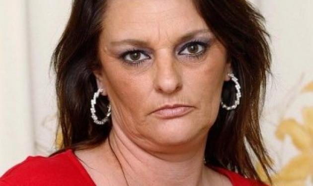 Τρομοκρατημένη μητέρα περιγράφει τους φρικτούς της πόνους αφού έσκασαν τα PIP εμφυτεύματα στήθους της!   tlife.gr