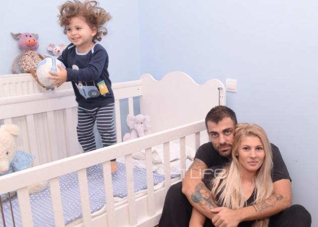 Στέλιος Χανταμπάκης: Έβαλε τον γιο του να μας συστήσει την οικογένεια και λιώσαμε!