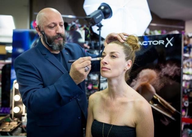 Όλα όσα έγιναν στο μεγαλύτερο beauty event του καλοκαιριού με την Max Factor και τον Γιάννη Μαρκετάκη! | tlife.gr