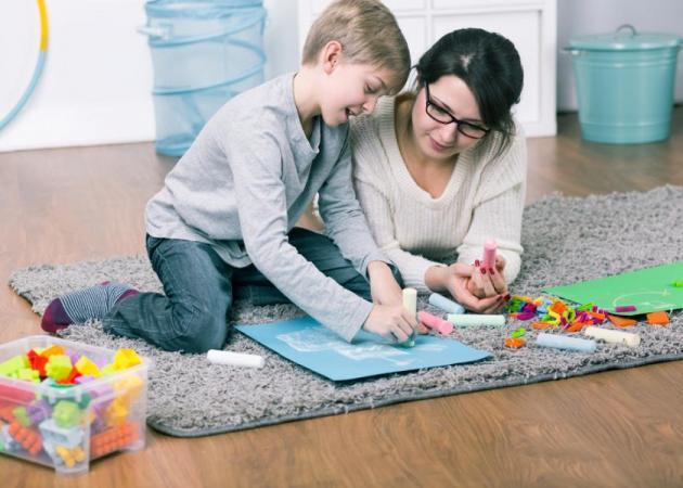 Έξυπνοι τρόποι για να διασκεδάζει το παιδί στο σπίτι! | tlife.gr