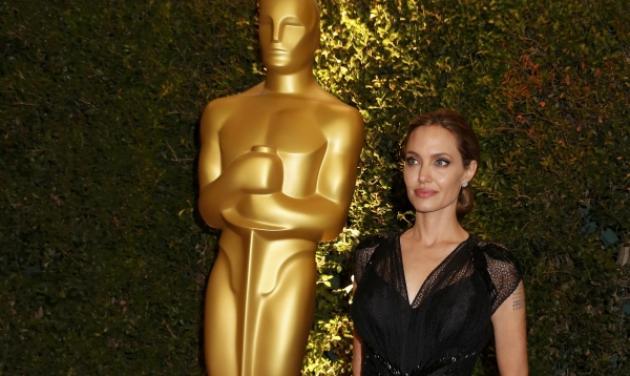 Αngelina Jolie: Πήρε τιμητικό Οscar για την ανθρωπιστική της δράση! Φωτογραφίες | tlife.gr