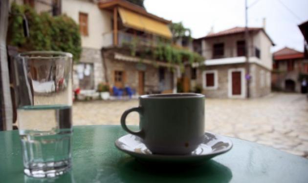 Μήπως πίνεις πάνω από 4 καφέδες την ημέρα; Δες τι μπορεί να συμβεί! | tlife.gr