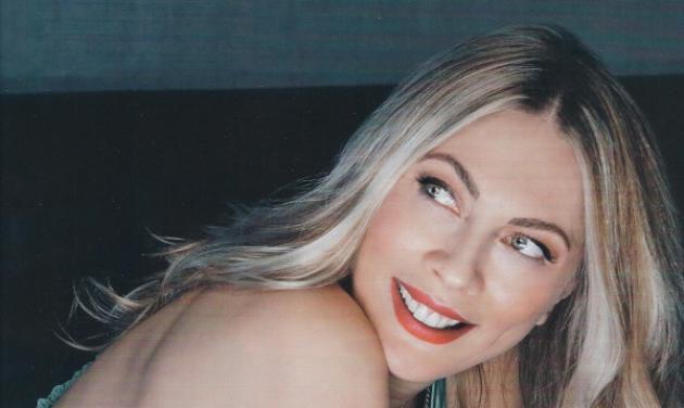 Σμαράγδα Καρύδη: Άλλαξε look κι έγινε καστανή!   tlife.gr