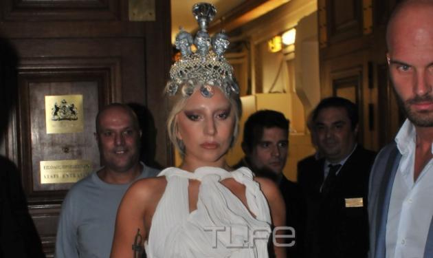 Lady Gaga: Η άφιξη σαν αρχαία θεά στο ΟΑΚΑ και όσα έγραψε στους θαυμαστές της στο Instagram! | tlife.gr