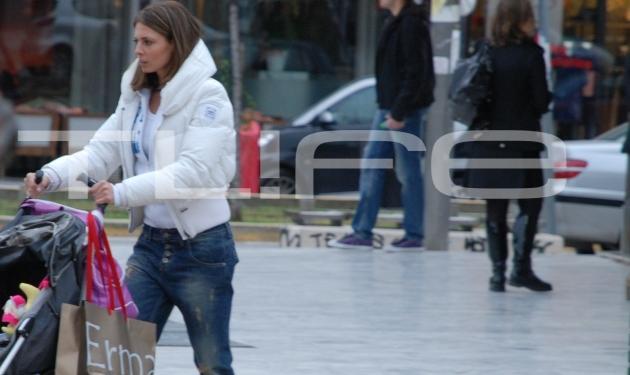 Το νέο look της Κ. Λάσπα και τα ψώνια με την κορούλα της στη Γλυφάδα! | tlife.gr
