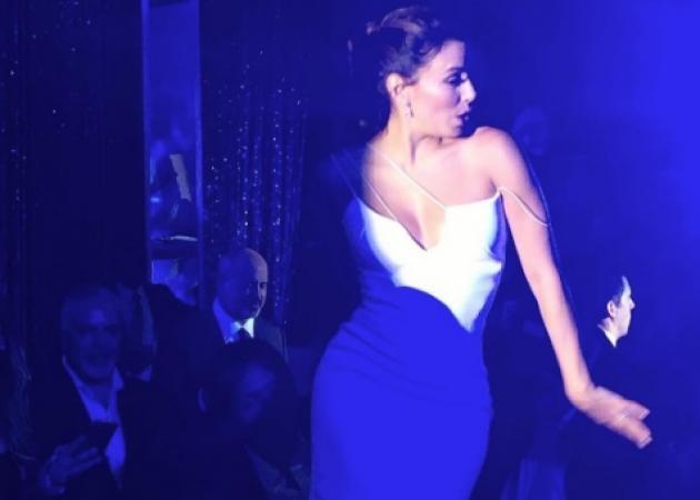 Eva Longoria: Ο ξέφρενος χορός της νύφης μετά τον κρυφό γάμο της! Ανέβηκε στο τραπέζι