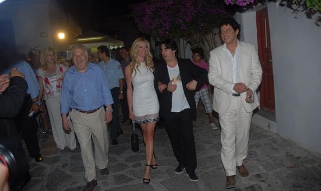Το ταξίδι αστραπή της Μακρυπούλια στη… Μύκονο!   tlife.gr