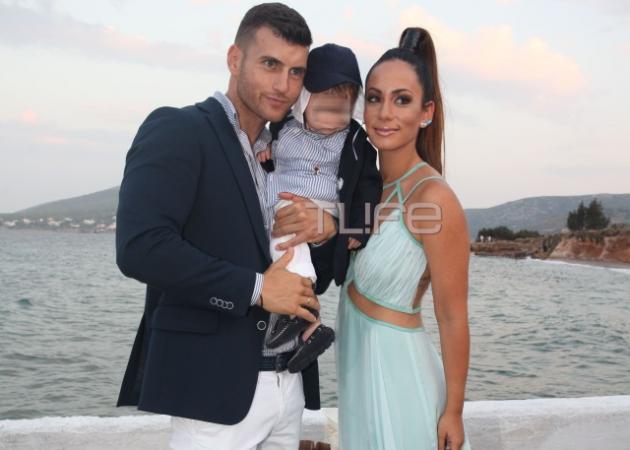 Μάντη Περσάκη – Αλέξανδρος Νικολαΐδης: Βάφτισαν τον γιο τους! | tlife.gr