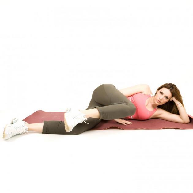 12 | Εκτάσεις με το πόδι τεντωμένο προς τα πίσω