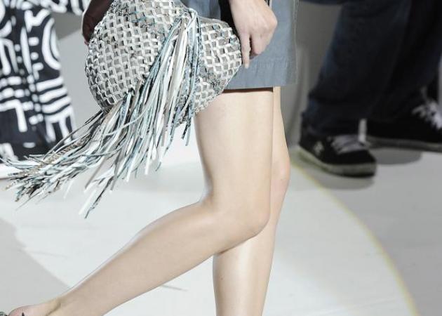 Πως να φορέσεις μίνι φούστα; | tlife.gr