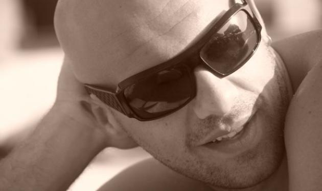 Χάκερς μπήκαν στο facebook του Ν. Μουτσινά! | tlife.gr