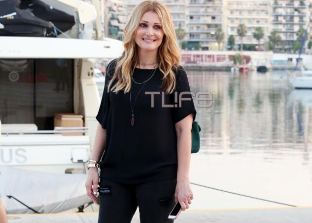 Νατάσα Θεοδωρίδου: Γεύμα στον Πειραιά λίγο πριν από τη μεγάλη συναυλία στο Βεάκειο!