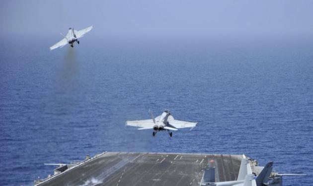 20 συμμαχικά αεροσκάφη βομβαρδίζουν δυνάμεις του Καντάφι στη Βεγγάζη – Σε εξέλιξη ναυτικός αποκλεισμός της Λιβύης
