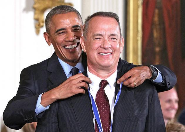 Tom Hanks: Η ταλαιπωρία που πέρασε στις διακοπές με την οικογένεια Ομπάμα! | tlife.gr