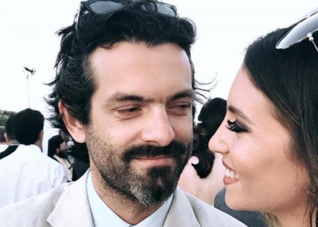 Αθηνά Οικονομάκου Gallery: Αθηνά Οικονομάκου: Με τον σύντροφό της στο γάμο της