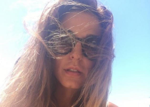 Κατερίνα Παπουτσάκη: Οι διακοπές στη Δονούσα και η τέταρτη επέτειος του γάμου της! | tlife.gr
