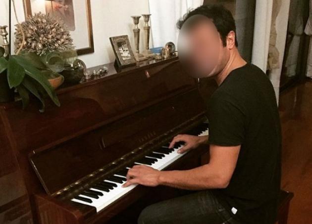 Ποιος διάσημος Έλληνας γόης μαθαίνει πιάνο; [pic]